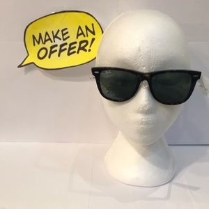 Ray-Ban Wayfarer Sunglasses.2140 902 54-18 3N